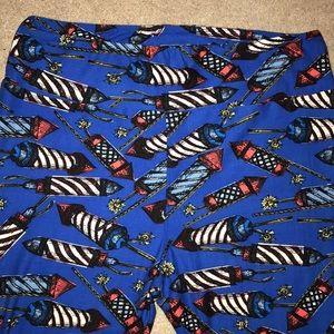 b3e1f905fbd1d5 LuLaRoe Pants | Newamerica Llr Holiday Leggings | Poshmark